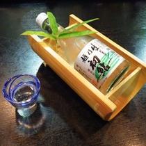 *【夕食一例】米どころ新潟の地酒。料理によく合います。
