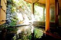 内湯 女湯の露天風呂
