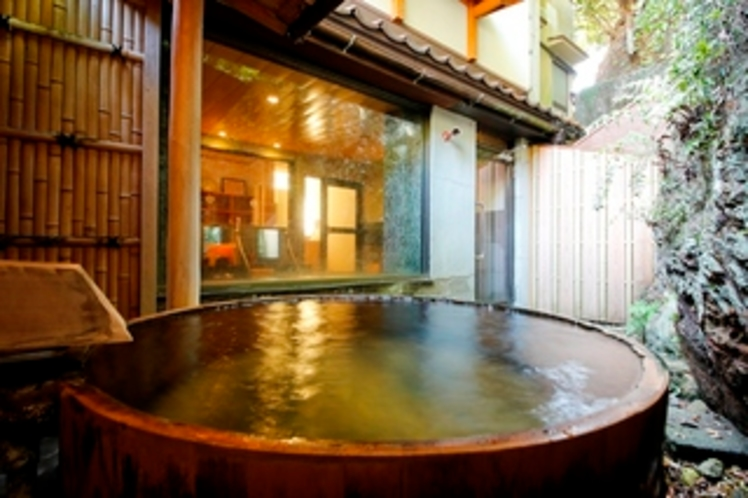 内湯 男湯の露天風呂