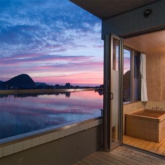 川側12.5+7.5畳和洋室【八景テラススイート】半露天風呂