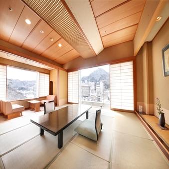 【二面採光の角部屋】7階以上で谷川岳と利根川を望む12.5畳