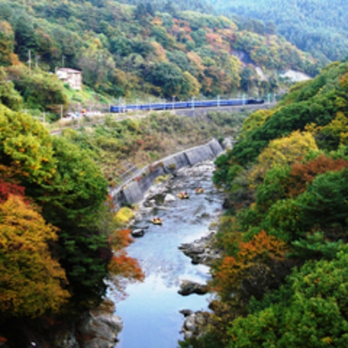 秋の風景★上越線と利根川