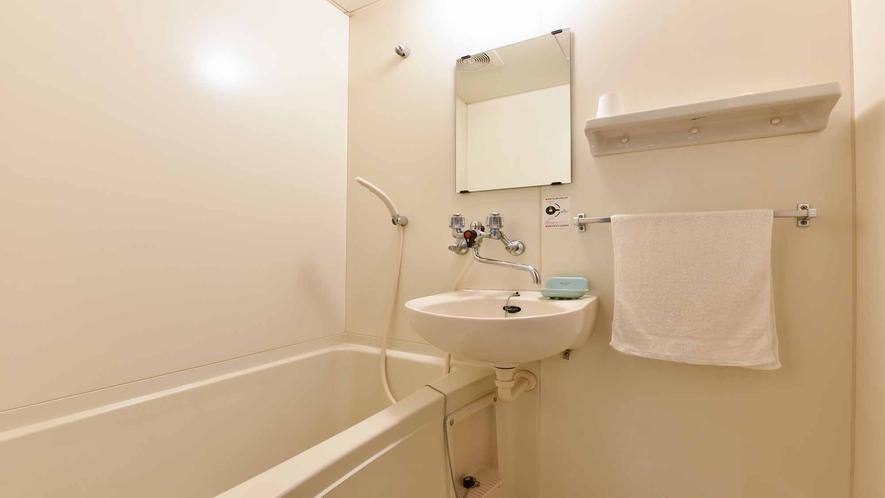 *客室一例:和室10畳(バストイレ付)