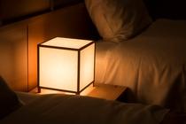 8畳洋室(照明)
