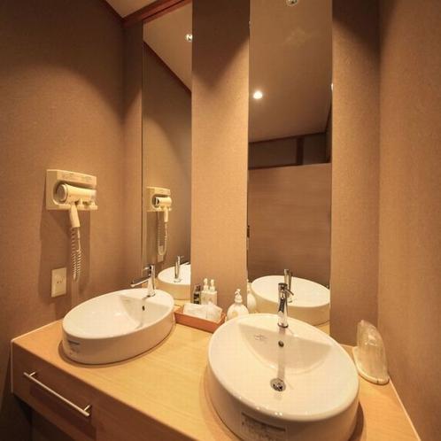 ■特別室和洋室/洗面スペース
