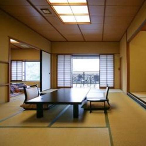 12+6畳の月見台(テラス)付客室