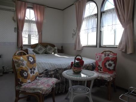 可愛いダブルベッドルーム