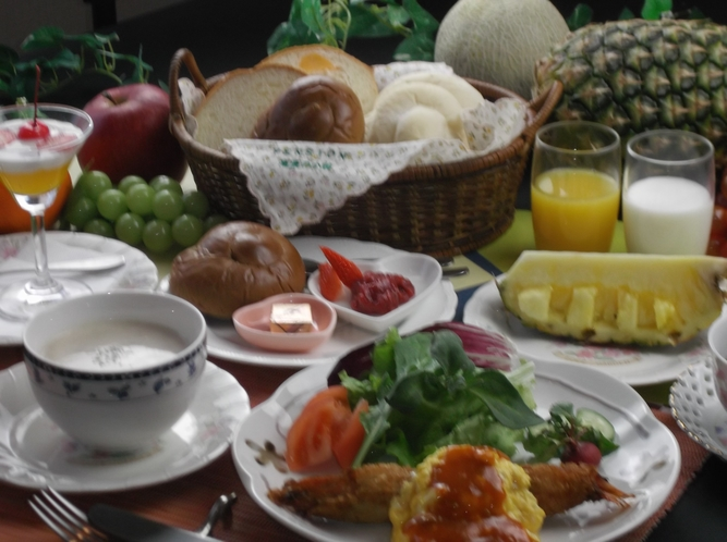美味しい朝食ゆっくりお楽しみください。