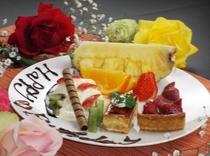 季節のたっぷりデザートをお祝い用にアレンジしてお出しいたします。