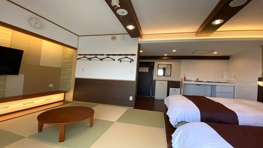 ツイン 和洋室 (広さ25㎡ ベッド幅110cmと110cm)