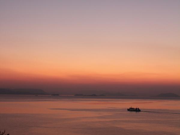 夕焼けの船旅