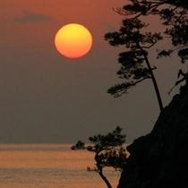 花寿波島の朝日