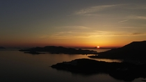 夕陽百選の地に立つ宿