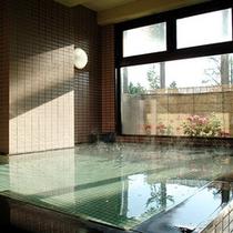 *大浴場/「樽本温泉」の湯に浸かり、日常の疲れをほぐして頂けます。