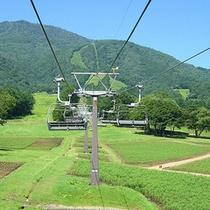 *黒姫高原/リフトに乗って爽やかな空中散歩へ。
