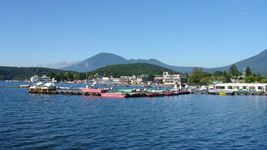 **野尻湖/雄大な妙高高原・黒姫高原に囲まれた美しい観光地です。