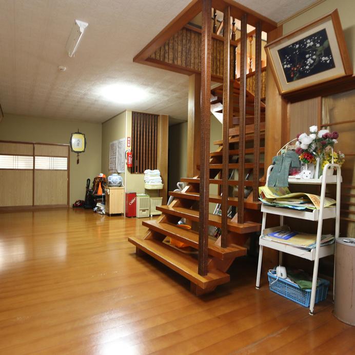 館内 1階
