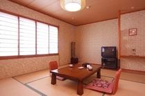 和室10畳の部屋