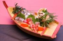 地元魚の舟盛り