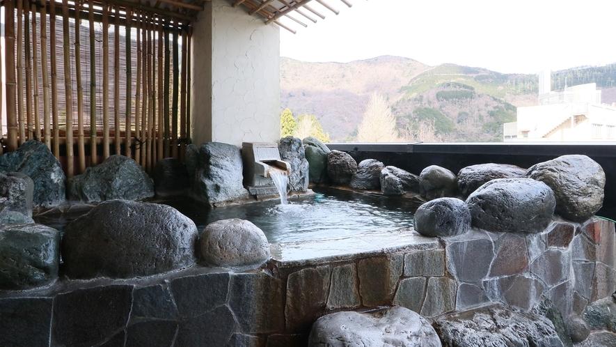 特別室-大黒天の間--旅の贅沢を演出する特別室専用の展望露天風呂
