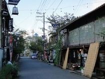 阿蘇神社の参道(水基巡りの道)