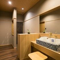 和洋室はトイレ&洗面完備