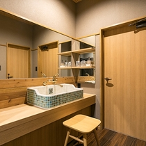 レトロモダンな洗面/本館客室