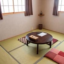 無駄のない素朴なお部屋。お得に旅する方向け/別館和室6畳一間