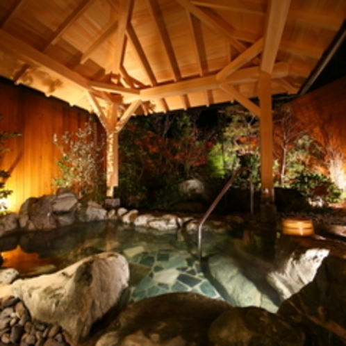風月の湯 露天風呂(夜)