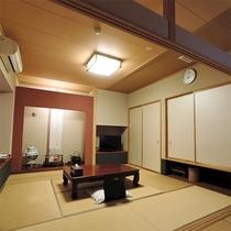 *客室/和室10~12帖。全室インターネット接続可能です。