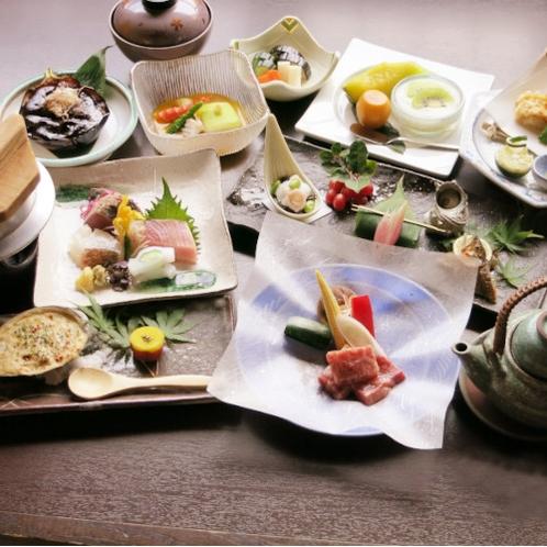 和牛・静岡育ちとアワビのグルメコース料理のイメージ写真です