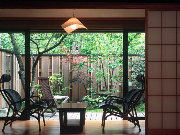 【露天風呂付客室(一例)】2