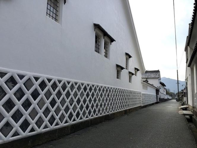 【萩城下町】当時の面影を残す「菊屋横丁」。御用商人「菊屋家」や高杉晋作誕生地がある。(徒歩10分)