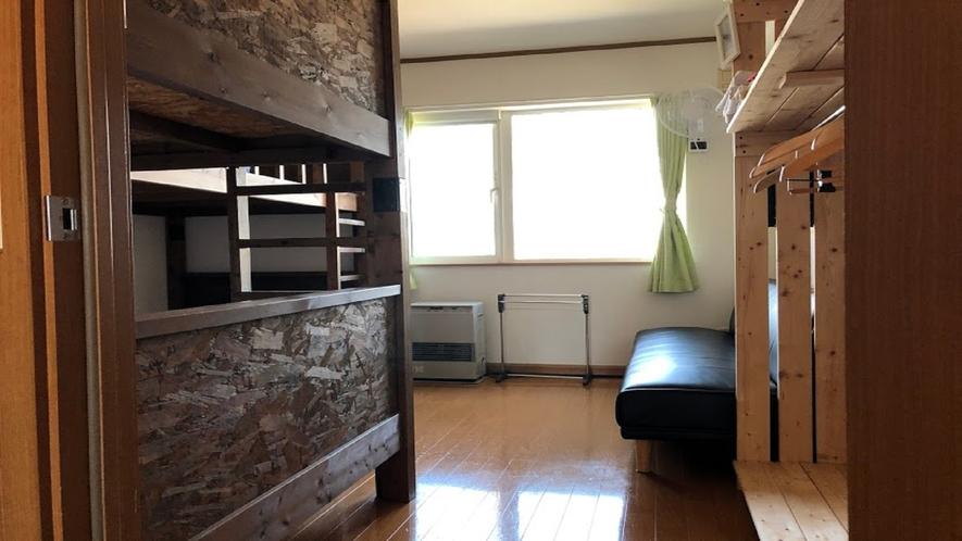 二段ベッド部屋 ~5人まで