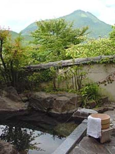 露天風呂からの由布岳
