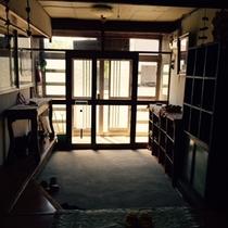 玄関の様子②