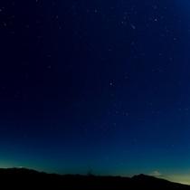 澄んだ空気と豊かな自然に包まれた八ヶ岳南麓は星空観察のベストスポット