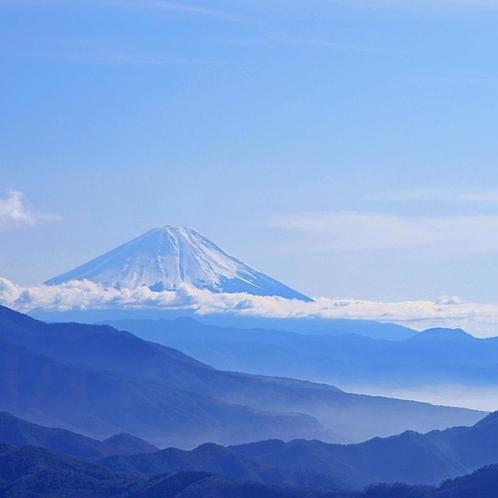 客室から望む富士山。標高1,400m以上だからこそ見ることのできる絶景です