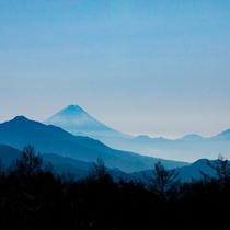 晴れた日には客室からシンメトリーで美しい富士山が望めます(^^)
