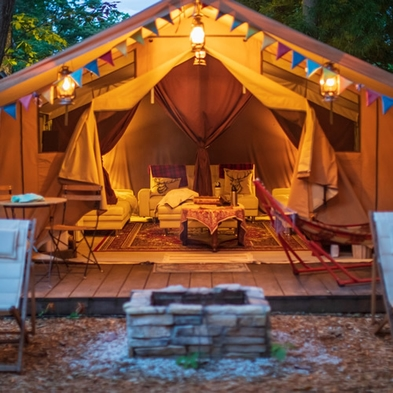 【1日1組限定】33平米のラグジュアリーテント!グランピングサイトで豪華なキャンプ料理付(夕朝食付)