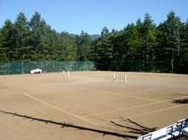 テニスコート3面 宿泊者は無料!