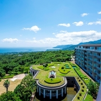 ◆ホテル全景~天気が良い日は伊豆七島を見晴らす絶景を~