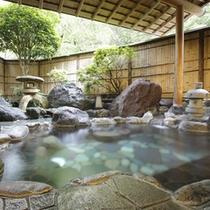 千歳の湯・露天風呂