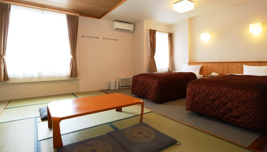 【和洋室(バス・トイレ付)】ツイン+和室6畳のお部屋。安らぎのひとときを。