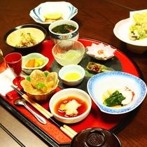 【ご夕食一例】水にこだわったお料理の数々をご堪能下さい