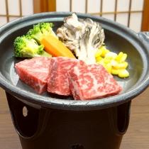 【赤城牛の陶板焼き】ご夕食のメインは美味しさ広がる赤城牛