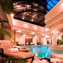 「悠YU, THE SPA」室内温水プール