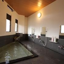 天然温泉の内湯