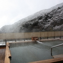●展望露天風呂(雪景色)