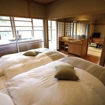 【聚楽第露天風呂付き和室(本間12畳+次の間8畳ベッド付き)室内イメージ